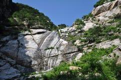 Tunn vattenfall Royaltyfri Bild