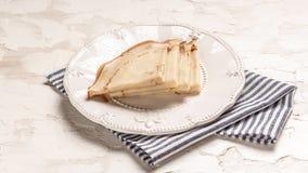 Tunna pannkakor med den frasiga skorpan Maslenitsa Pannkakor för frukost och karneval Top beskådar Lekmanna- lägenhet Utrymme för arkivfoton