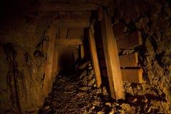 Tunnel abandonné de mine d'or images libres de droits