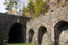 Tunnel abandonné sur le chemin de fer Photo libre de droits