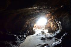 Tunnel alla spiaggia Fotografia Stock
