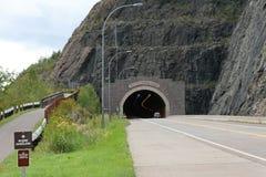 Tunnel argenté de crique Photographie stock