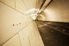 Tunnel au-dessous de fleuve de Tamise photographie stock libre de droits
