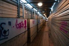 Tunnel avec les blocs concrets Image libre de droits