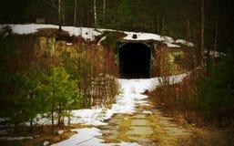 Tunnel. Base militaire abandonnée Photos libres de droits