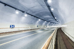 Tunnel binnenlandse achtergrond stock foto's