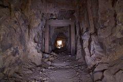 Tunnel de mine d'or vieux photographie stock