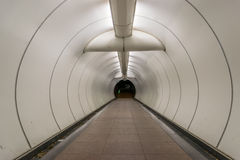 Tunnel de passage souterrain Images libres de droits