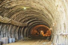 Tunnel de route - chantier de construction Image stock