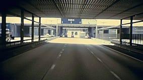 Tunnel de route vers Paris banque de vidéos