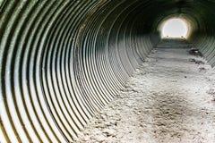 Tunnel del ferro ondulato fotografia stock
