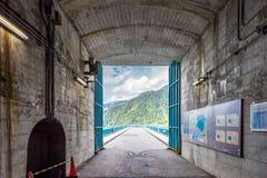 Tunnel della diga di Kurobe immagine stock