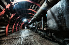 Tunnel della miniera con il percorso Fotografia Stock