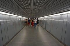 Tunnel della stazione ferroviaria del sottopassaggio a Barcellona immagine stock