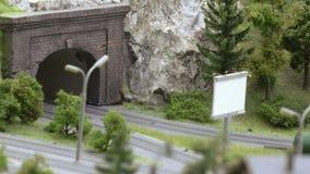 Tunnel della strada nella città video d archivio