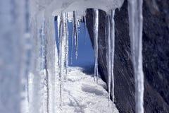 Tunnel der Eiszapfen Stockbild