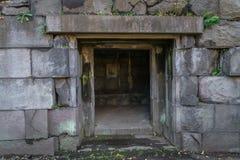 Tunnel des alten Ziegelsteines Stockfoto
