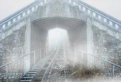 Tunnel di ferrovia in salita immagine stock