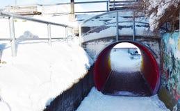 Tunnel die in Dolomiti-bergen, in Cadore, Italië schaatsen Royalty-vrije Stock Afbeelding