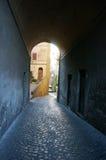 Tunnel in dorp van Bracciano, Rome Royalty-vrije Stock Foto's