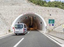 Tunnel durch den Berg Stockbild
