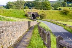 Tunnel e strada Fotografie Stock