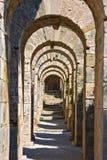 Tunnel en pierre antique photos stock