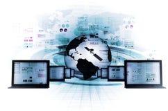 tunnel för teknologi för digital om flicka för begrepp bärbar dator för information lysande Arkivfoto