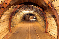 Tunnel för underjordisk min som bryter bransch Fotografering för Bildbyråer