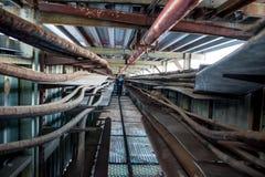 Tunnel für Hochspannungskabel lizenzfreie stockfotos