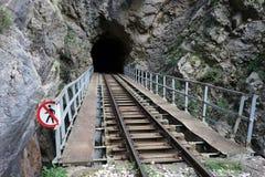 Tunnel i den Vouraikos klyftan royaltyfria foton