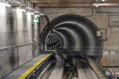 Tunnel i den Zurich flygplatsen Royaltyfri Fotografi