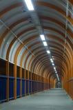 Tunnel la nuit. Photo libre de droits