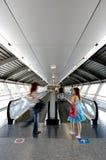 Tunnel in luchthaven royalty-vrije stock afbeeldingen