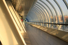 Tunnel moderne de passerelle Image stock