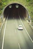 Tunnel på huvudvägen arkivbild