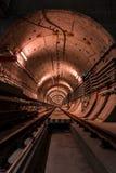 Tunnel profondo della metropolitana Fotografie Stock Libere da Diritti