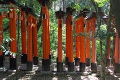 Tunnel rosso dei portoni a Kyoto Fotografia Stock Libera da Diritti