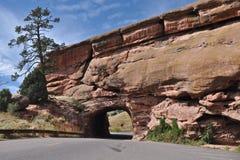 Tunnel rouge de roches Images libres de droits