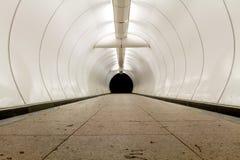 Tunnel/sottopassaggio artificiali fotografie stock