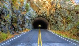 Tunnel till och med berget fotografering för bildbyråer