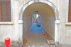 Tunnel urbano fotografia stock libera da diritti