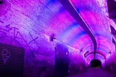 Tunnel vid natt i Utrecht, Nederländerna Arkivbild