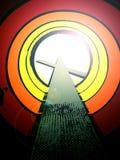 Tunnel zum Gott mit Kreuz Stockbild