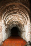 Tunnelbakgrund och affärsidé tunnel med gammal tegelsten slutet av tunnel- och begreppsaffären lyckat gåtatunnel Fotografering för Bildbyråer