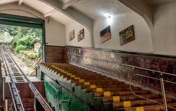 Tunnelbana för bergbana för kabelbil äldst till det Monserrate berget i Bogot arkivbild