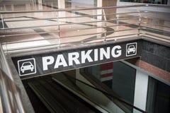 tunnelbana för parkering för färgcontrasteffekt Royaltyfria Foton