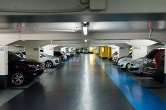 tunnelbana för parkering för färgcontrasteffekt Arkivbilder