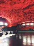 Tunnelbana för Solna Centrumtunnelbanestation Station av gångtunnelen Stockholm, Sverige Royaltyfri Fotografi