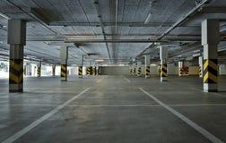 tunnelbana för parkering för färgcontrasteffekt Arkivfoton